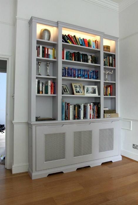 Книжный шкаф с секретом.