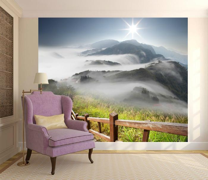 Пейзаж в интерьере небольшой комнаты.