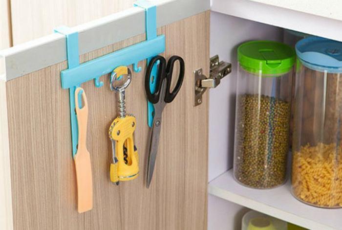 Подвесная вешалка для шкафчика. | Фото: zen.yandex.ru.