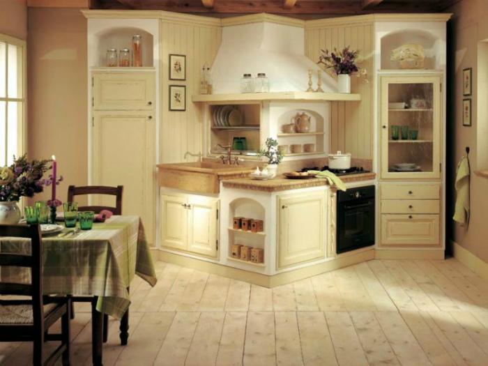 Кухонный гарнитур необычной формы. | Фото: lk-88.com.