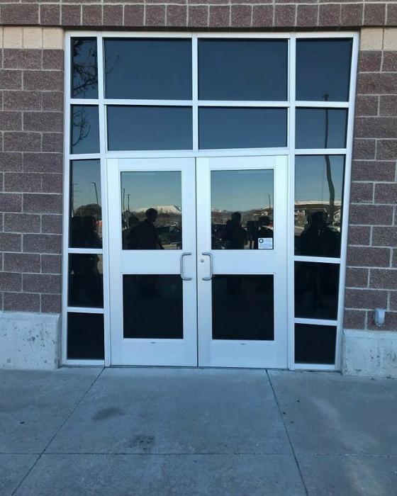 Дверь с интересным визуальным эффектом. | Фото: Тролльно.