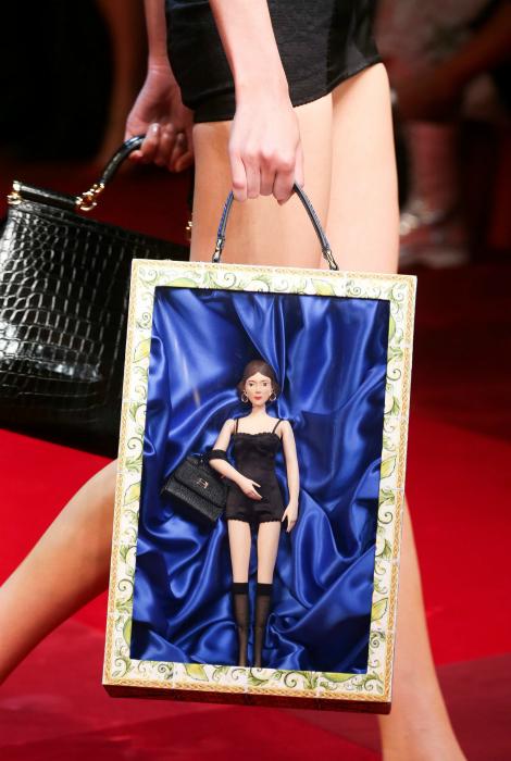 Сумка от Dolce & Gabbana.