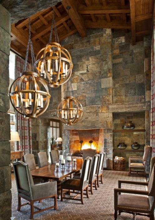 Светильники в средневековом стиле.