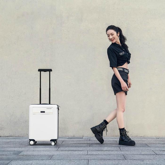 Высокотехнологичный чемодан-робот. | Фото: Компьютербай.