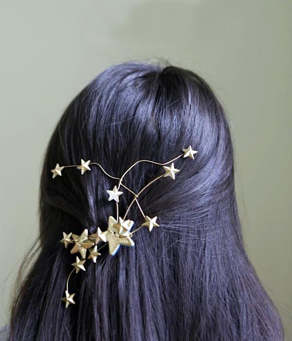 Невидимка украшенная звездами.