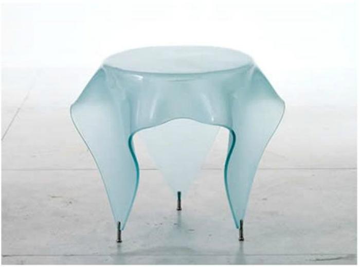 Стол-скатерть из стекла от дизайнера Джона Брауэра.