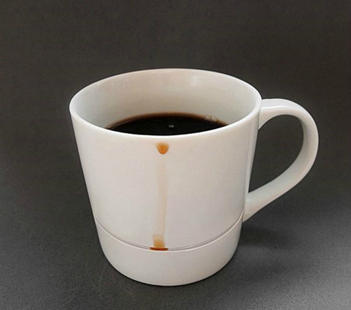 Чашка с необычной конструкцией. | Фото: Twipu.