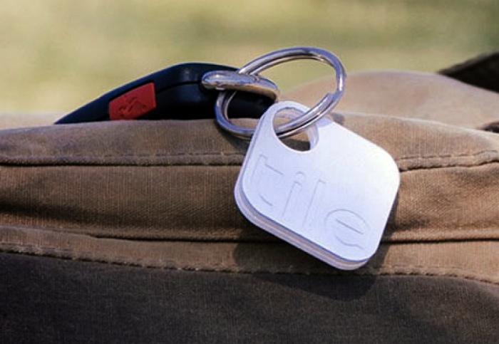 Брелок Tile, который помогает найти забытое. | Фото: iPhones.ru