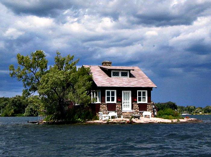 Жилой дом на одном из самых маленьких островов архипелага.