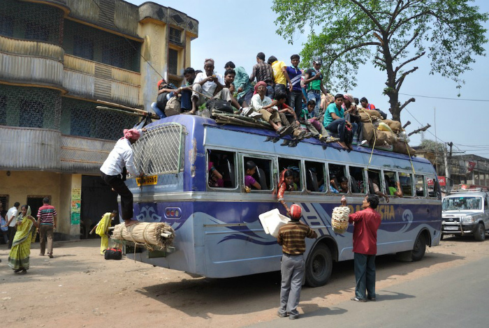 Как обычный автобус превращается в двухэтажный.