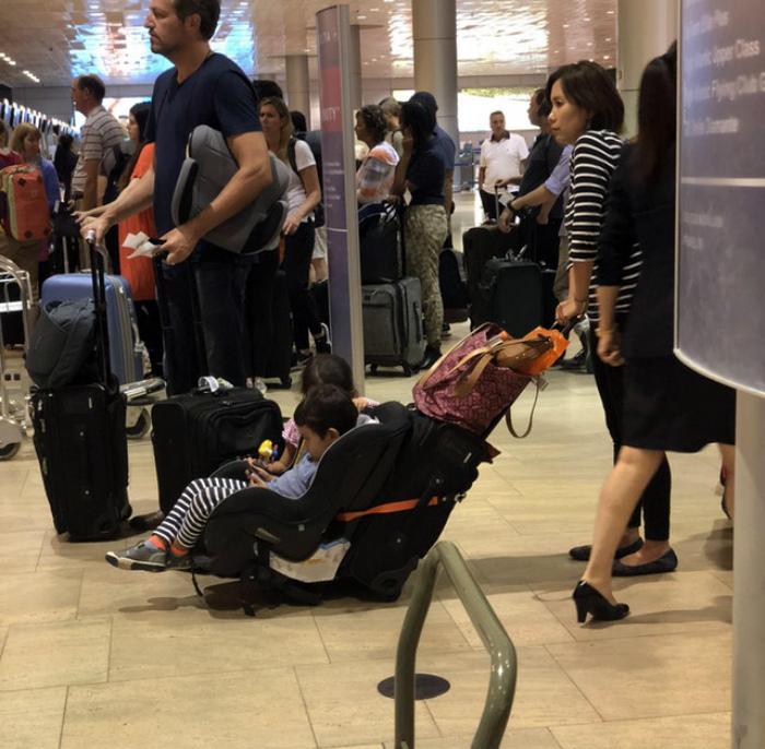 Передвижение по аэропорту с детьми.