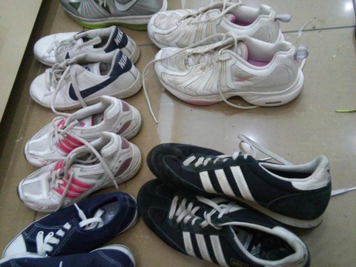 Ношенная обувь.