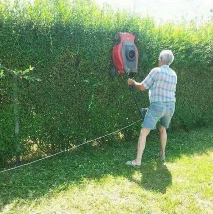 Лайфхак с газонокосилкой.