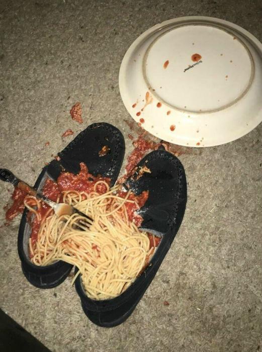 Обед в ботинках.