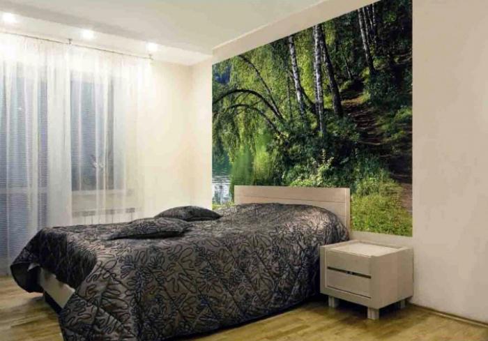 Фотообои в маленькой спальне. | Фото: bouw.ru.