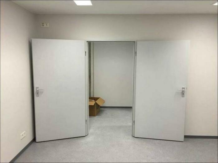 Сложные двери.