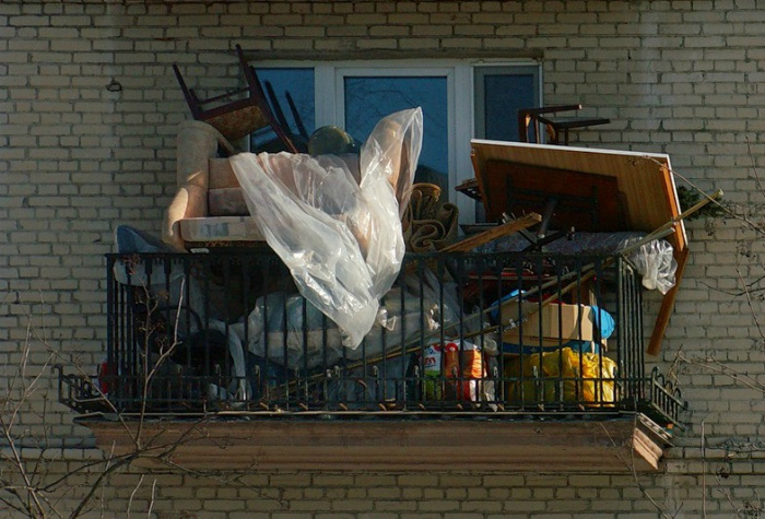 Захламленный балкон. | Фото: Балкон.