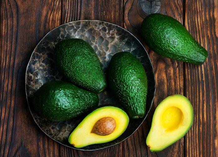 Авокадо - кладезь витамина Е.