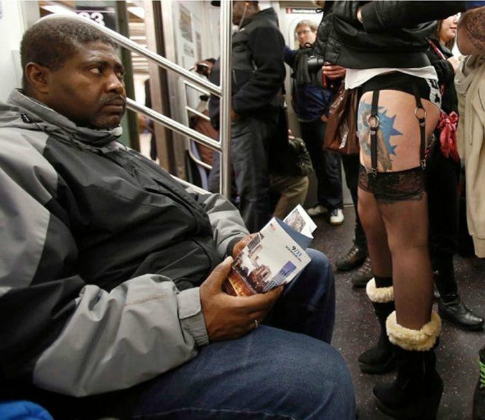 Женщины в юбке в транспорте порно