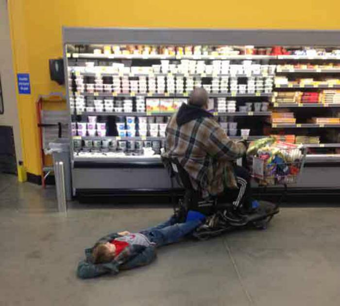 Поход в магазин с отцом.