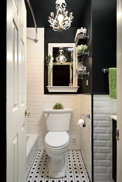 Чорно-білий санвузол в класичному стилі.