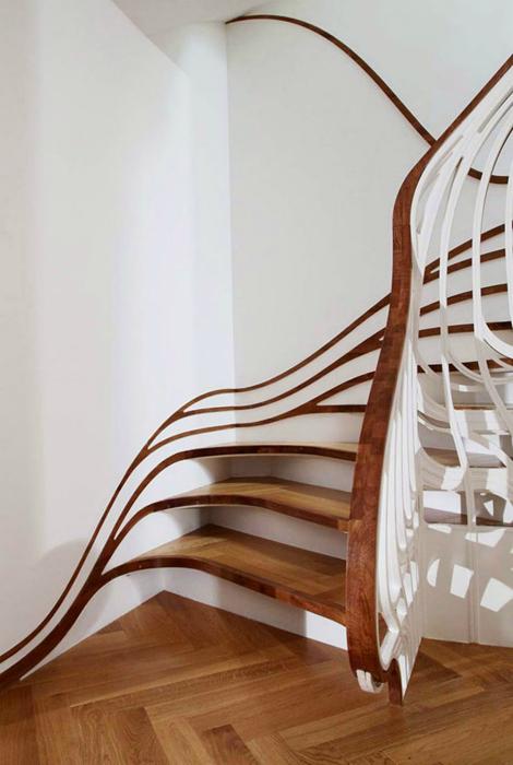 Лестница в стиле Ар-нуво.