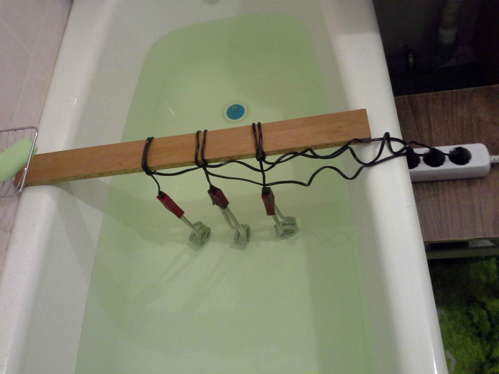 В доме, где есть изобретательный мужчина, всегда есть и горячая вода.