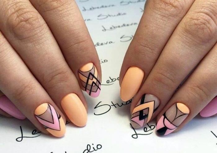 Геометрический дизайн в черно-оранжевом цвете.