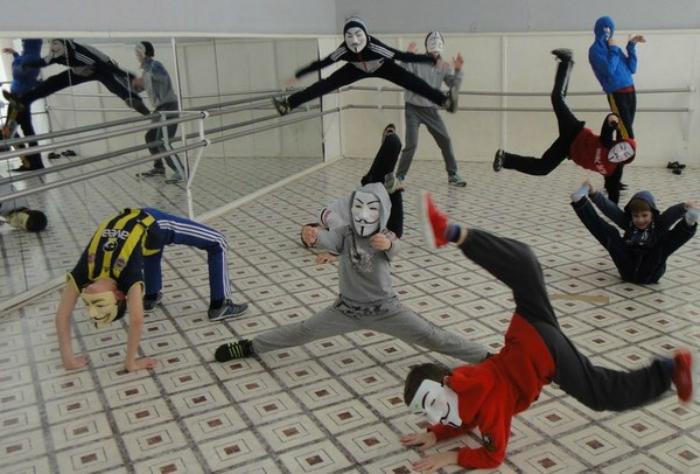Современный танцевальный кружок.