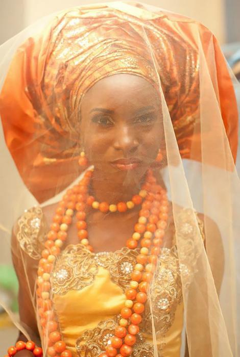 Наряд нигерийской невесты.