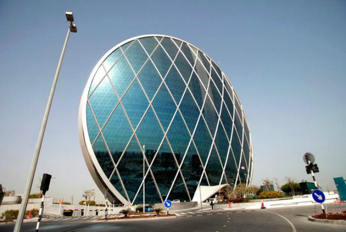 Круглый небоскреб «Альдар» в Абу-Даби.