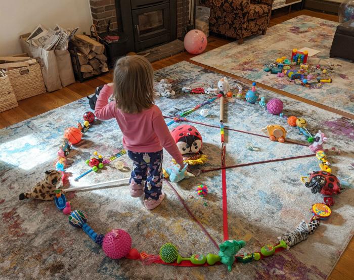 «А во что вы играете с детьми?»   Фото: Reddit.