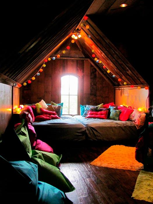 Комната отдыха в деревенском стиле.