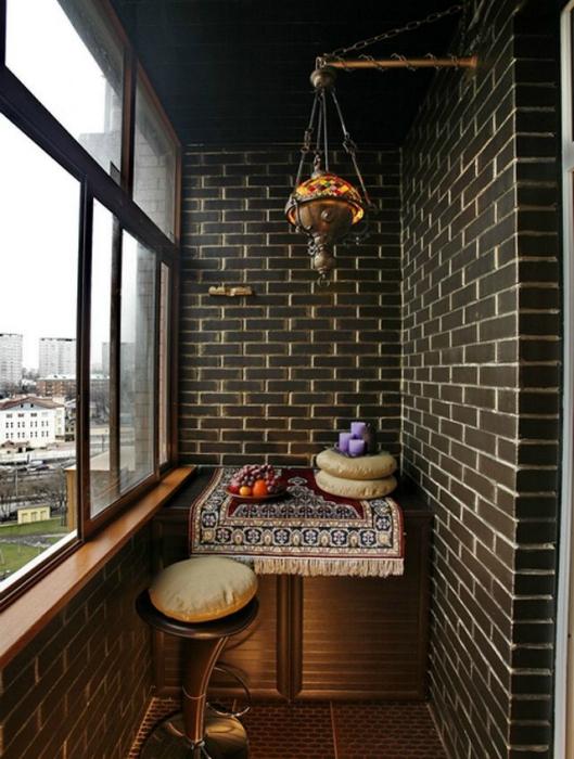 Потрясающий балкон в восточном стиле.