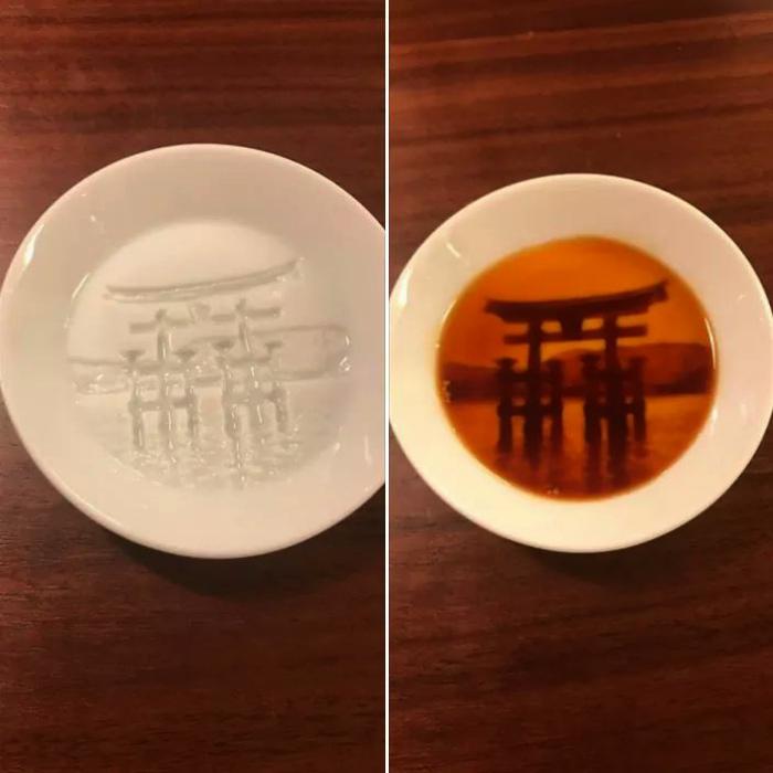 Оригинальная тарелка с гравировкой. | Фото: Dorgio.mn.