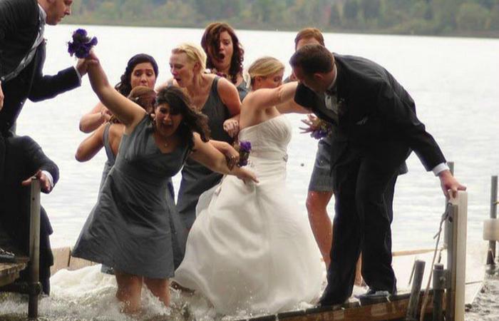 Самые забавные свадебные снимки.