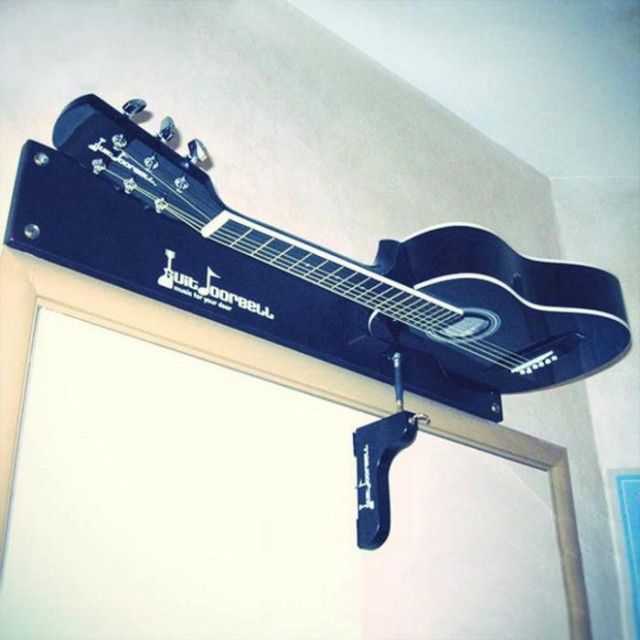 Звонок в виде гитары.