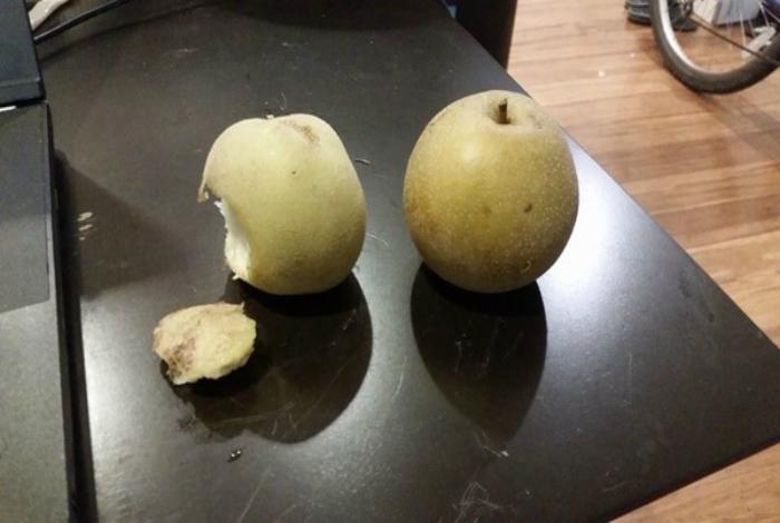 Перепутал картошку с яблоком.
