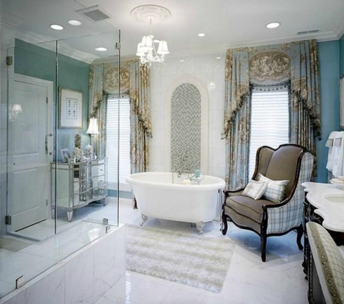 Ванная комната класса люкс.