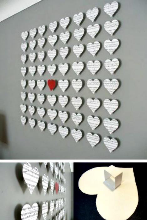 Композиция из бумажных сердец.
