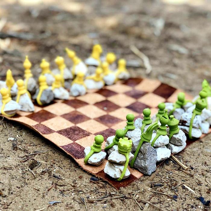 Необычный шахматный набор. | Фото: Gramha.