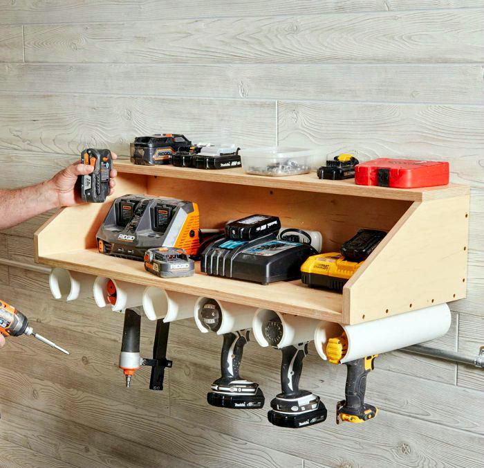 Полка для электроинструмента. | Фото: Make-Self.
