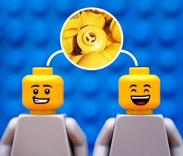 Отверстия в фигурках Lego. | Фото: Sympa-sympa.com.