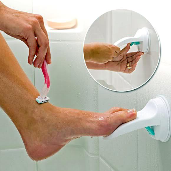 Подставка для удобного бритья ног.