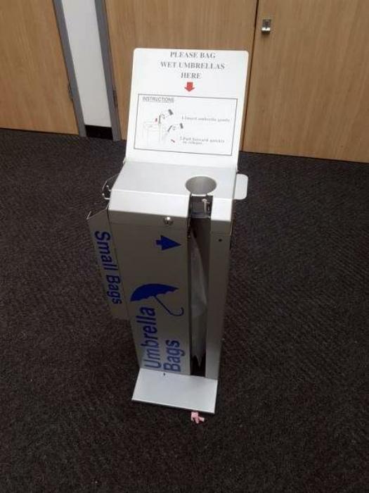 Упаковочный автомат для зонтов.