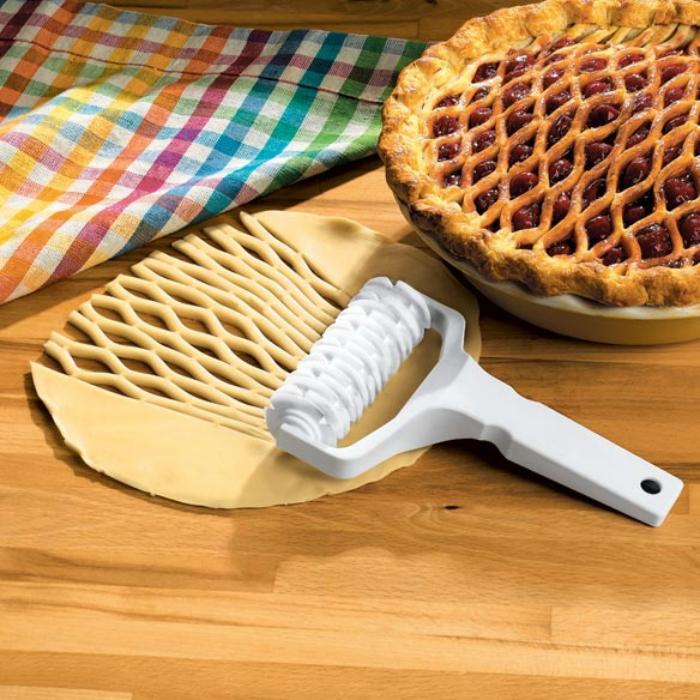 Ролик для хозяек, которые пекут пироги.