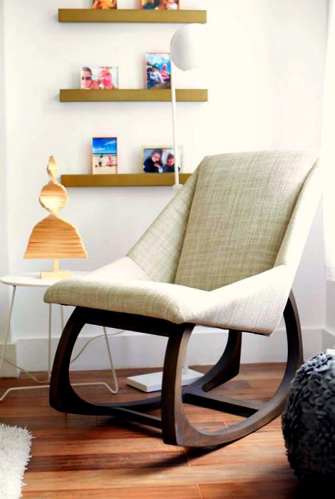 Современное кресло-качалка. | Фото: Patvinh.me.