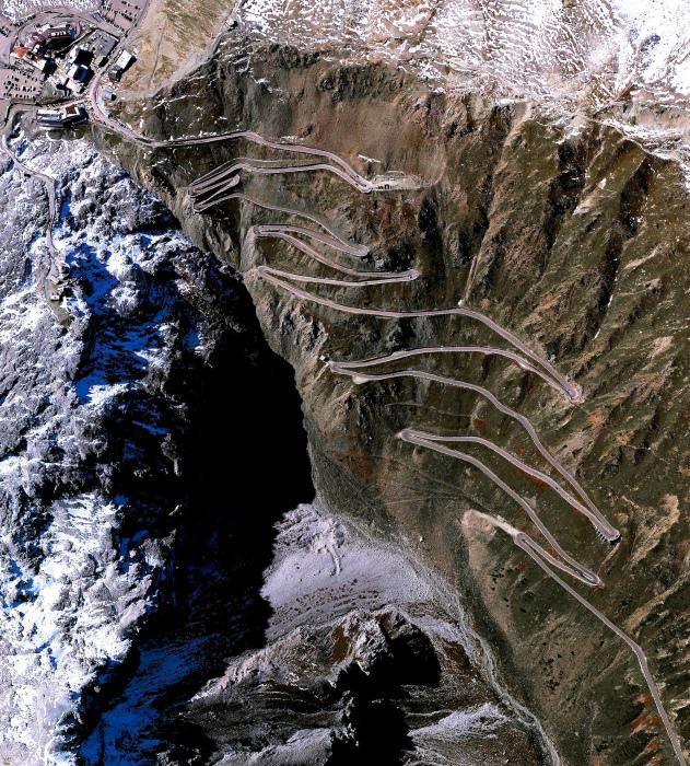 Пугающий перевал Стельвио.
