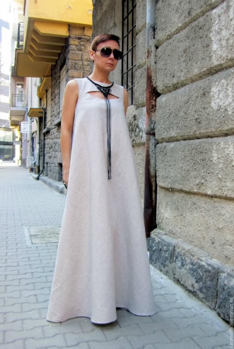 Одежда из натуральной ткани.