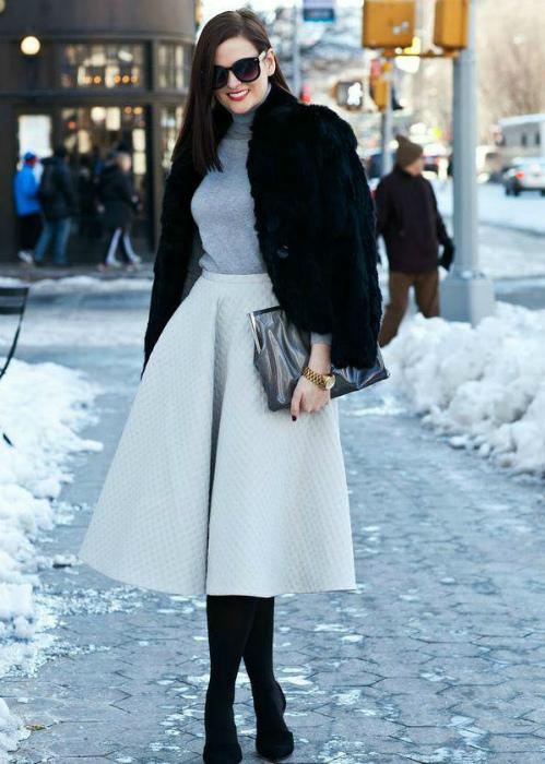 Элегантная юбка миди. | Фото: Favourite Store.
